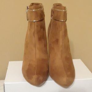 Forever - Light. Brown Suede Booties - SIZE 9